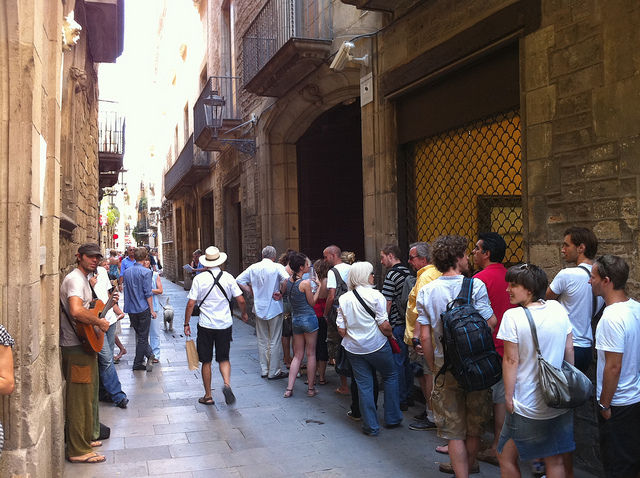 Long Queue at the Picasso Museum