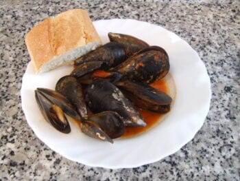 Mussels in Tomato Sauce Recipe